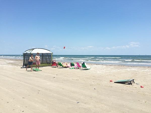 Beach setup in Port Aransas // amber-oliver.com