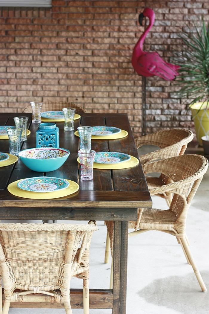 How to Build a DIY Farmhouse Table