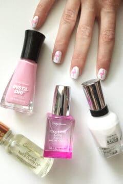 DIY flamingo nail art using Sally Hansen products! #SallyStrong #CollectiveBias #ad