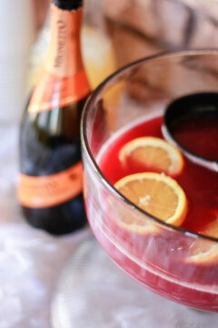 Holiday Prosecco Punch - yummy 3 ingredient punch using Mionetto Prosecco! #ad