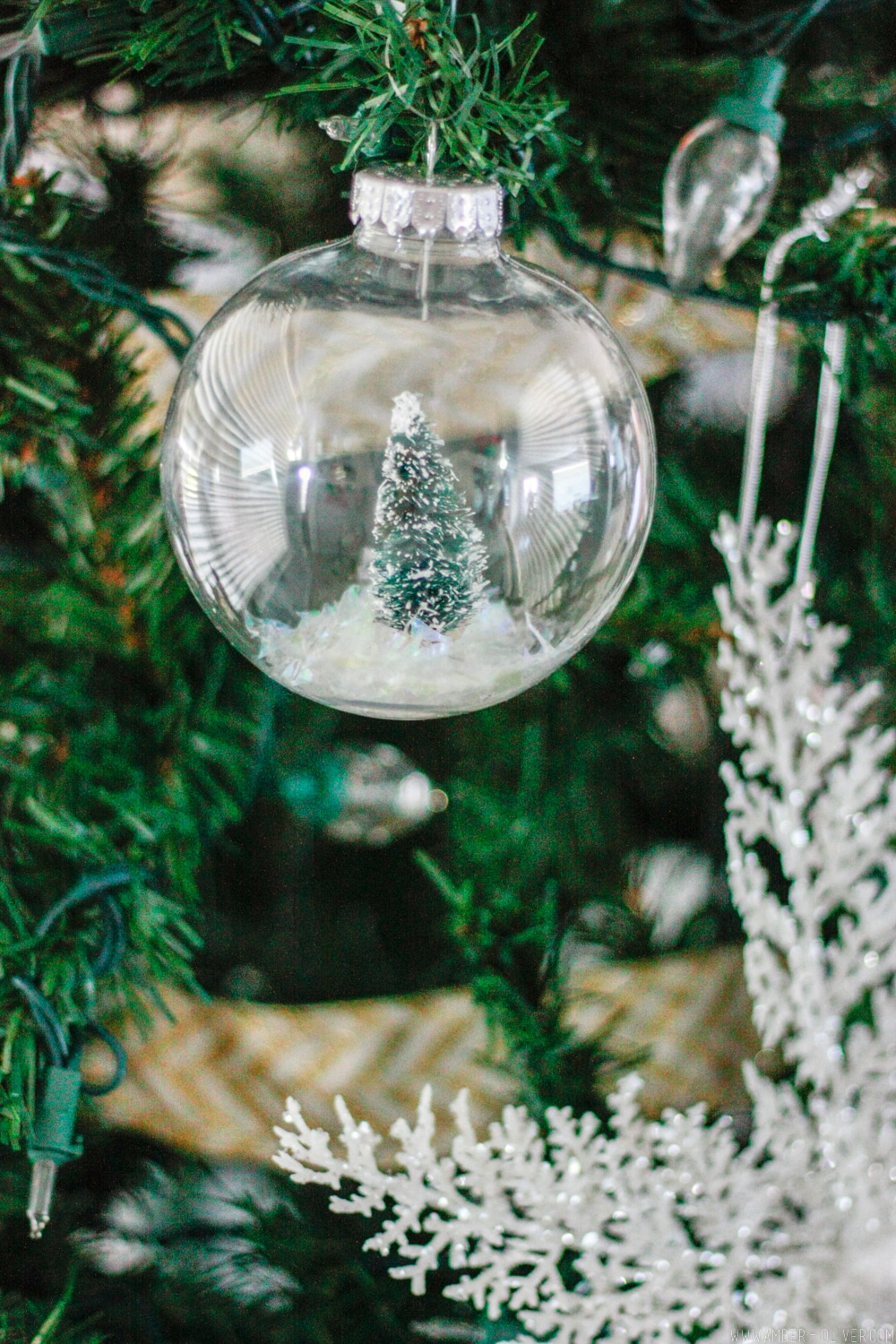 Diy Snow Globe Ornament Fill A Clear Ornament With A
