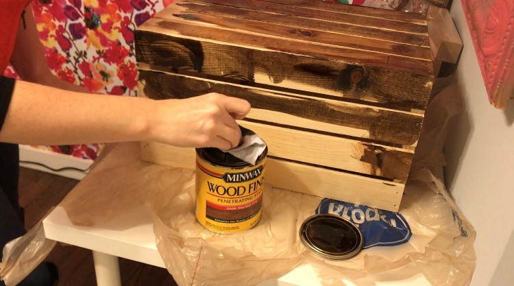 diy-christmas-crate-2