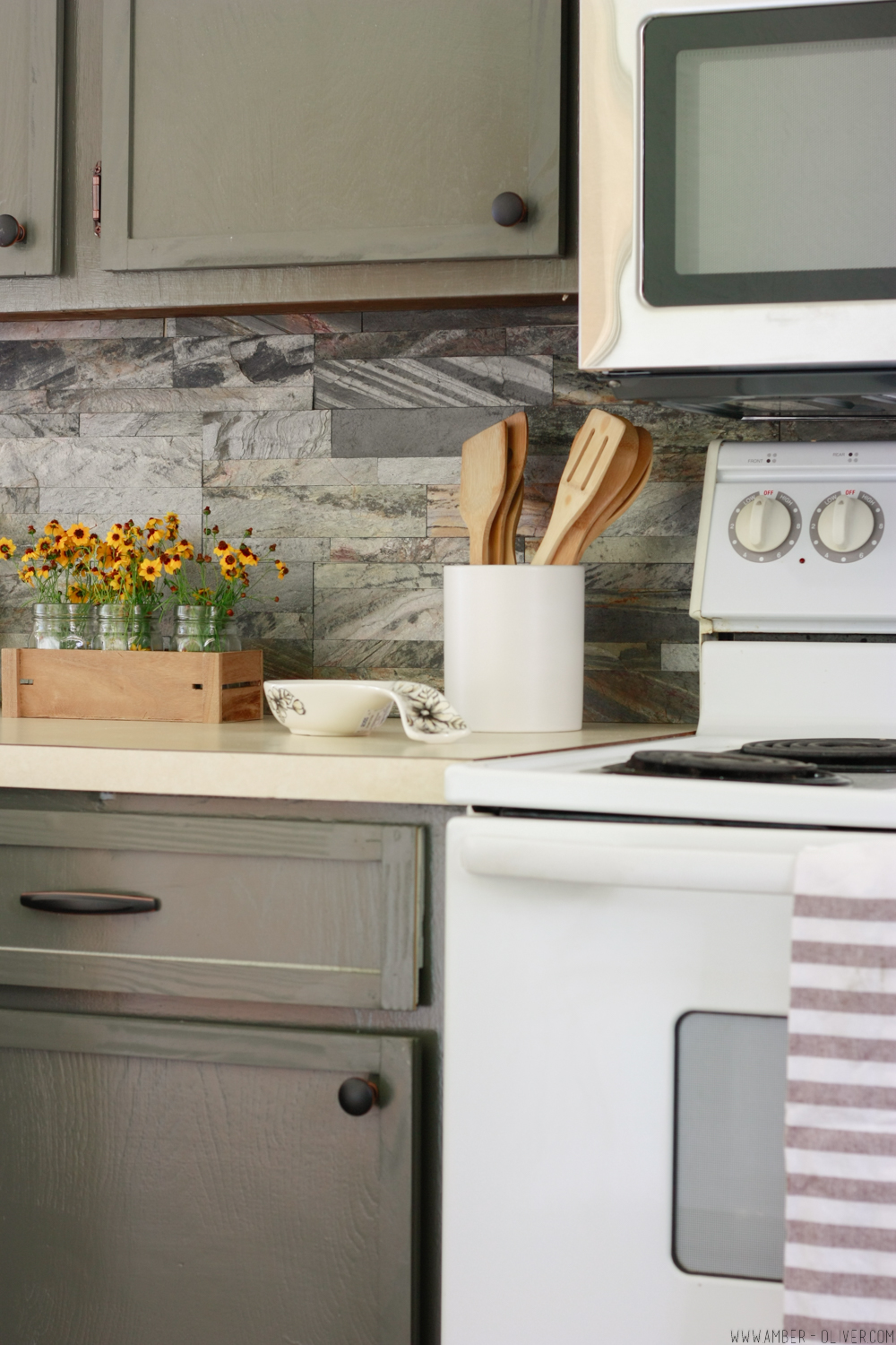 Kitchen Remodel: The Forest Avenue