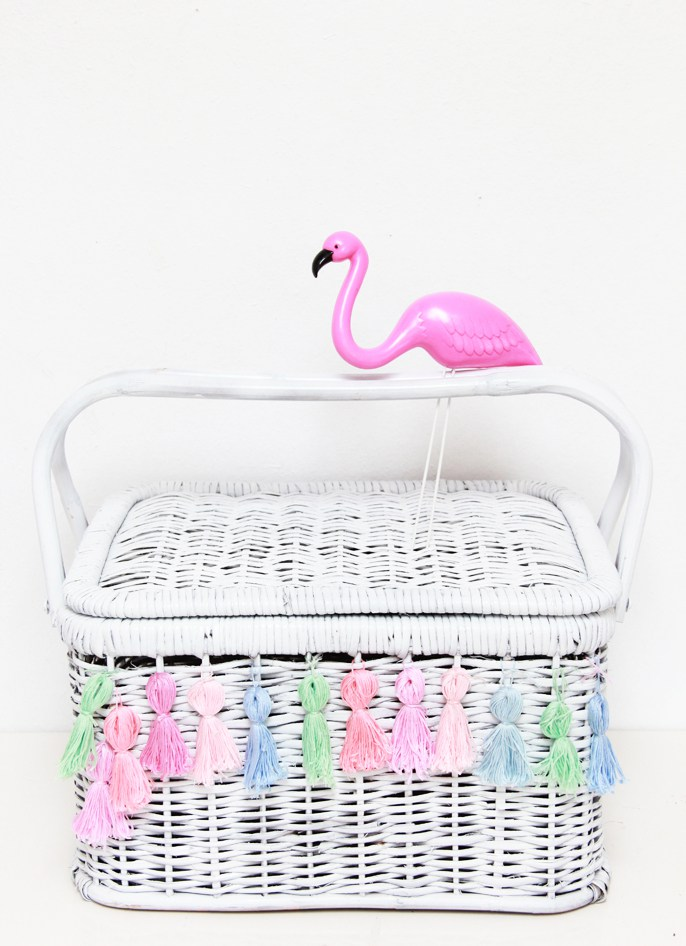 DIY tasseled picnic basket