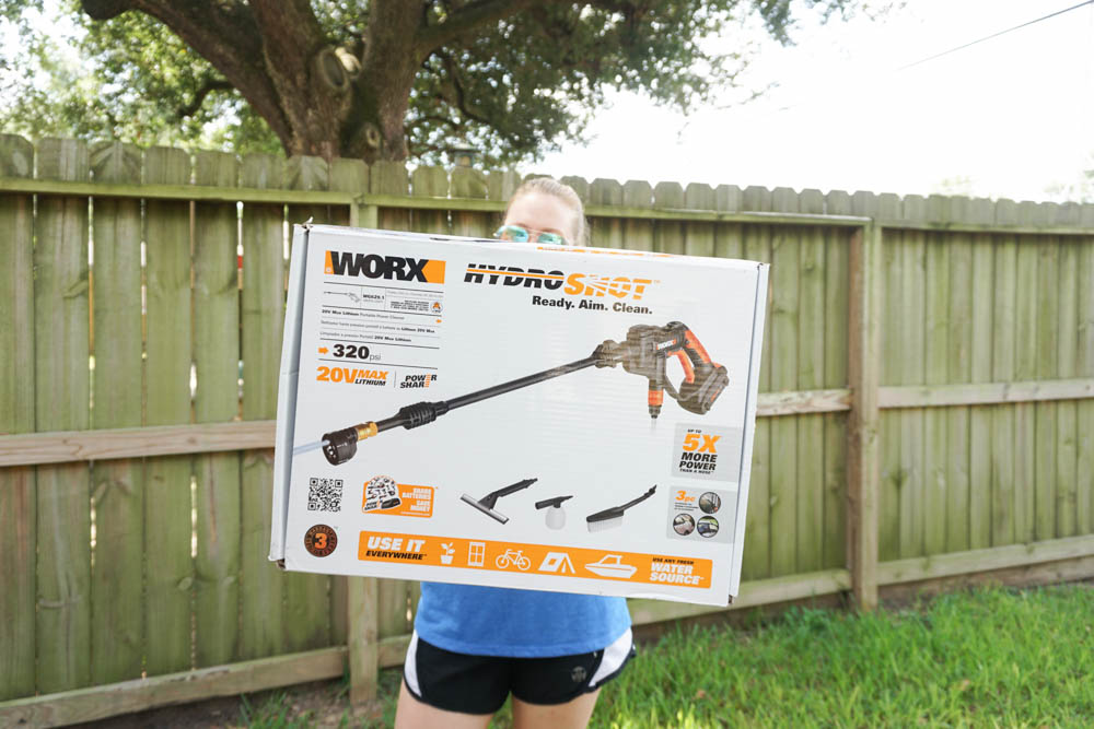 How to clean wood fence - with the WORX hydroshot!