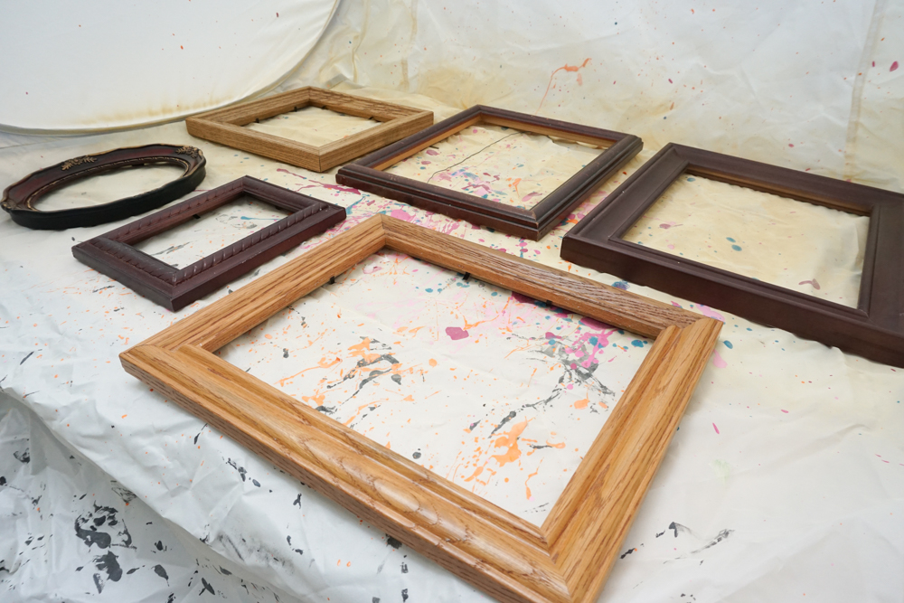 Spray Painting Picture Frames Thrift Shop Challenge