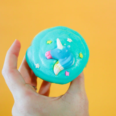 Unicorn Cupcakes with Unicorn Candy!