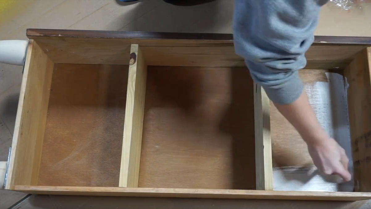 How To Turn Dresser Drawers Into Shelves: paint is the final step!