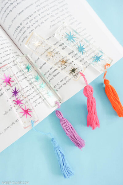 gorgeous DIY bookmarks made from resin