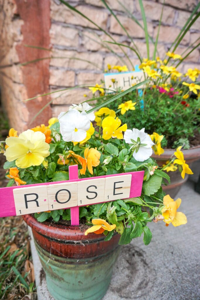 diy plant makers are adorable scrabble tile crafts